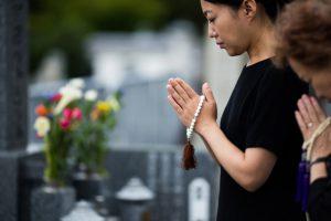 墓じまいってどうすればいいの?手続きや方法、費用について知っておこう