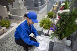 墓じまいしたお骨を永代供養する費用とその方法を解説